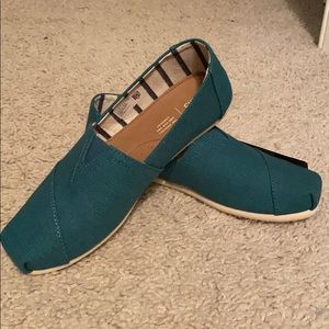 NWT Toms Venice Collection